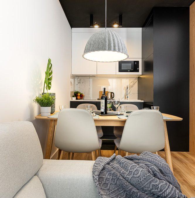 jak urządzić mieszanie na bookig? co dać do mieszkania? jakie dodatki pasują do drewna?